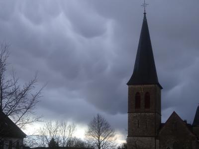 Mammatuswolken in Sistig von Christine Rabe