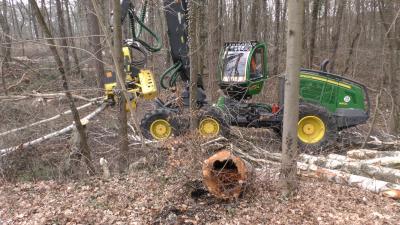 Ein Harvester im Einsatz am Waldstadion