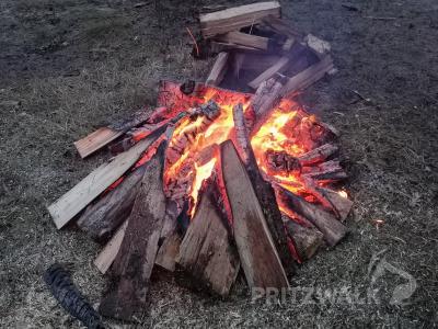 Private Feuer im Freien sind unter bestimmten Voraussetzungen ge-stattet. Öffentliche Osterfeuer dagegen sind im ganzen Land Brandenburg verboten. Foto: Beate Vogel
