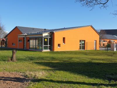 Foto zur Meldung: Leben und Spielen im ländlichen Raum: Kita Schipkau erhält nach LEADER-Anbau neuen LEADER-Spielplatz