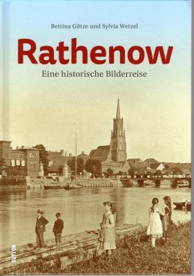 Foto zur Meldung: Bildband über Rathenow gibt es noch in der Touristinformation