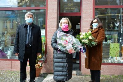von links:  Bürgermeister Dr. Oliver Hermann, Petra Beck und Heike Bayer vom Wittenberger Interessenring I Foto: Martin Ferch
