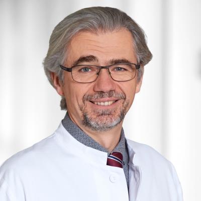 Dr. med. Benjamin Bereznai, PhD, Chefarzt der Neurologie am Evang. Krankenhaus Dierdorf/Selters