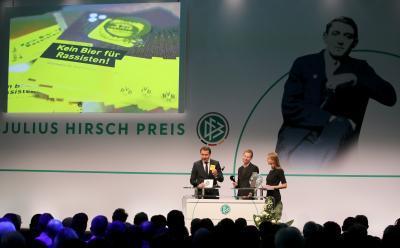 Wir suchen Vereine mit Toleranz-Initiativen für den Julius Hirsch Preis