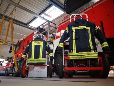 Neue Jacken für die Feuerwehr Premnitz