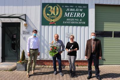 von links: Christian Fenske, Wolfgang Meierholz mit Tochter Nadine und Bürgermeister Dr. Oliver Hermann I Foto: Franziska Lenz