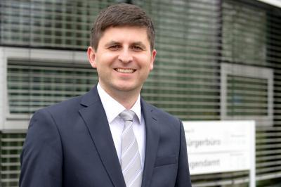 Stephan Hermann ist der neue Leiter des Jugendamtes OSL Foto © Rasche Fotografie
