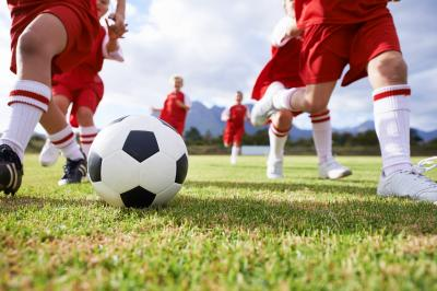 Vorschaubild der Meldung: Kinder bis 14 Jahre dürfen in 5er-Gruppen trainieren