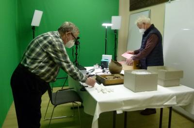 Stadt Perleberg |Michael Meyer und Jörg Hildebrandt demonstrieren ihre zukünftige Arbeit im Museum mit vorhandenem Equipment
