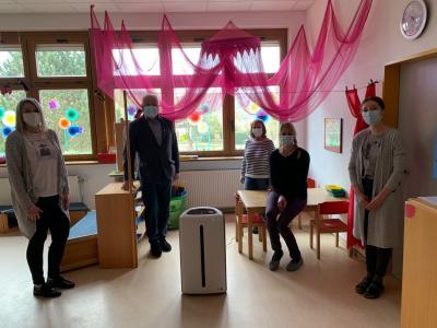 """Foto zur Meldung: Luftfilter für die Kindertagesstätte """"Villa Kunterbunt"""""""