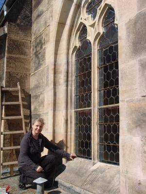Friedhofskapelle: Neun Fenster erneuert