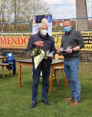 Foto zur Meldung: Jahreshauptversammlung - Bernd Hiller zum Ehrenmitglied ernannt