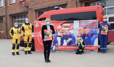Foto zur Meldung: Volks- und Raiffeisenbank unterstützt Jugendfeuerwehren bei der Mitgliederwerbung
