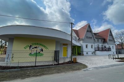 """Foto zur Meldung: Einweihung des Neubaus der Kita """"Storchennest"""" und dem Dorfgemeinschaftszentrums in Boblitz"""