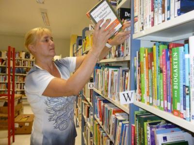 Foto zu Meldung: Bibliothek wieder offen