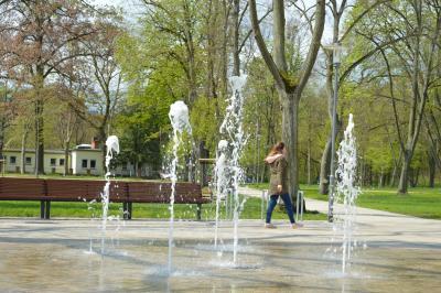 seit wenigen Tagen sprudelt der Brunnen im Clara-Zetkin-Park I Foto Martin Ferch