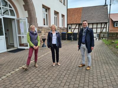 v.l. Christine Michel, Anita Engel, Bürgermeister Florian Fritzsch