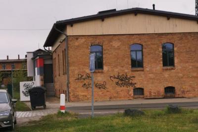 Foto zur Meldung: Sachbeschädigung: Wiederholt Graffiti-Schmierereien in Lübbenau/Spreewald