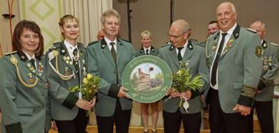 Heiko Juraschek (Mitte) ist aus seinem Verein gar nicht mehr wegzudenken.