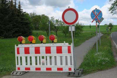 Auch der Radweg von Werchow nach Calau über den Silberberg ist momentan (in beide Richtungen) wegen Sanierungsarbeiten des Landkreises OSL gesperrt. Foto: Stadt Calau / Jan Hornhauer
