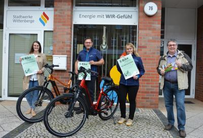 von links: Christin Drescher (Stadtwerke), Steffen Raugsch (Fahrrad Raugsch), Stefanie Helbig (Fahrrad Schukat) und Frank Wenzel vom Wittenberger Interessenring I Foto: M.Ferch