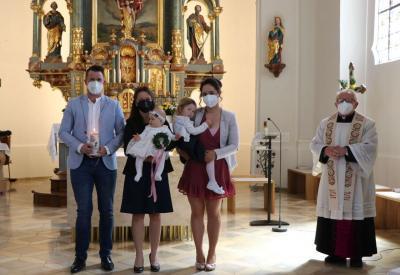 Foto zur Meldung: Drei Kinder in die Gemeinschaft der Kirche aufgenommen