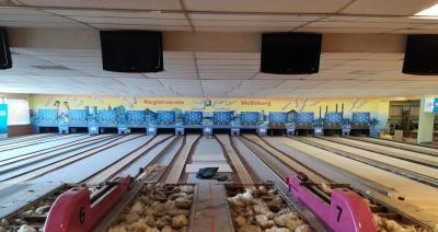 Blick auf die Renovierungsmaßnahmen auf den Schere-Bahnen 5-8