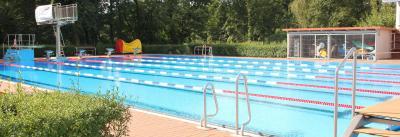 Schwimmbad wird eröffnet