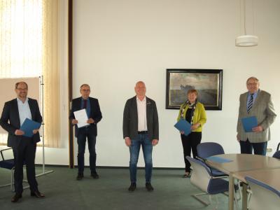 Foto von links: Dr. Ingmar Soll, Delf Sievers, Andreas Faust, Renate Lüschow, Harm Früchtenicht