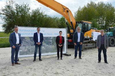von links: Nico Schulz, Rüdiger Kloth, Annett Jura, Sven Steinbeck und Dr. Oliver Herman I Foto: Martin Ferch