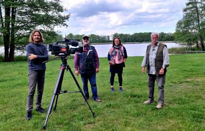 Foto zu Meldung: rbb-Fernsehen auf den Spuren des Grebser Bibers