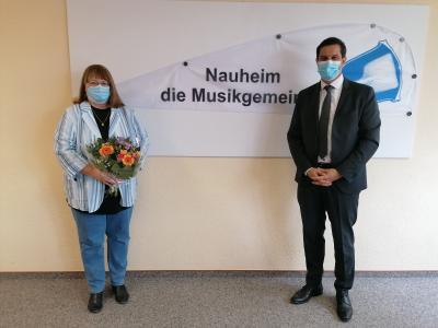 Foto zur Meldung: Herzlichen Glückwunsch, Frau Lehnhardt!