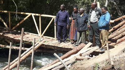 Wasserkraftwerk Tandala - Inspektion durch den Direktor