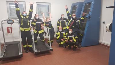 Die ersten Absolventinnen und Absolventen der umgebauten Atemschutzübungsanlage zeigten sich sichtlich zufrieden.