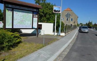Foto zur Meldung: Übergabe der Elsterwerdaer Straße in Kleinkmehlen – K 6635 mit Gehwegbau und Ersatzneubau der Brücke über die Neue Pulsnitz