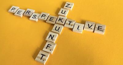 Scrabbel-Steine Zukunft und Perspektive