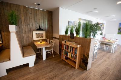 Foto zur Meldung: Hof-Café und Hof-Hilfe öffnen wieder