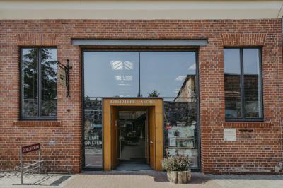 Foto zu Meldung: Die Bibliothek und das Archiv haben wieder geöffnet ...