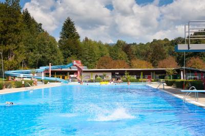 Noch Plätze frei! Aquafitness im Schwimmbad Kandern