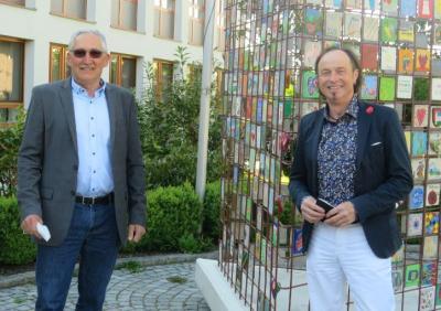 Der neue Seniorenbeauftragte MR Hubert Kraus (links) mit Bürgermeister Bernhard Uhl (rechts)