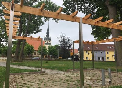 Kinderland wird zur Ruheoase: Hötensleben gestaltet alten Spielplatz zum Park mit Pergola um