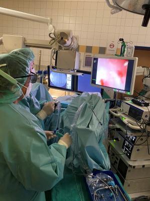 Neueste Lasertechnologie für schonende Eingriffe bei Nieren- und Harnsteinen