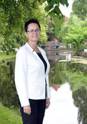 Fotostudio Ellmenreich | Bürgermeisterin Annett Jura