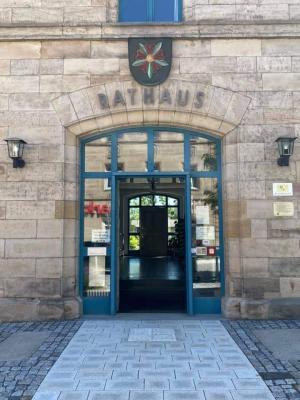 Foto zur Meldung: Rathaus wieder für den allgemeinen Besuchsverkehr geöffnet - Notwendigkeit der Terminreservierung bleibt bestehen