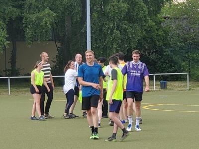 Bild der Meldung: Fußballfieber am GESP - Oberstufe trifft auf Lehrkräfte