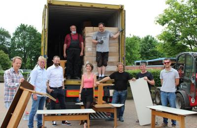 Foto zur Meldung: Schulmöbel aus Schafflund für Rumänien