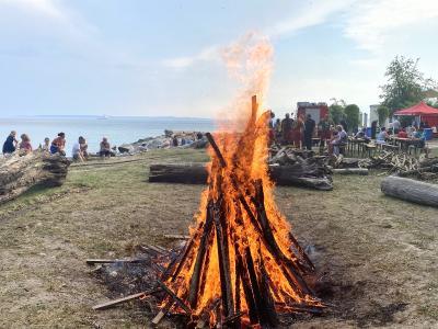 Lagerfeuer zur Sommersonnenwende