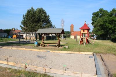 Foto zu Meldung: Spielplatz, auf dem der Storch vorbeischauen könnte
