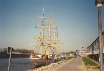 SCHULSCHIFF DEUTSCHLAND kommt nach Bremerhaven