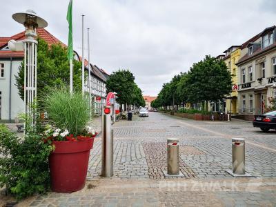 Die Marktstraße in Pritzwalk muss für zwei Tage gesperrt werden, weil ein Kabel ausgetauscht wird. Foto: Beate Vogel